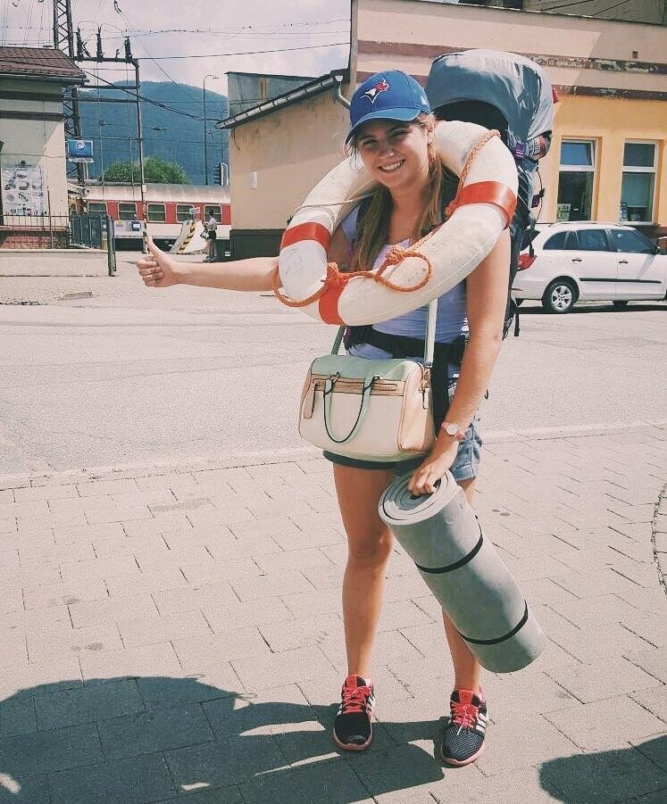 Betka hitchhiking in Italy
