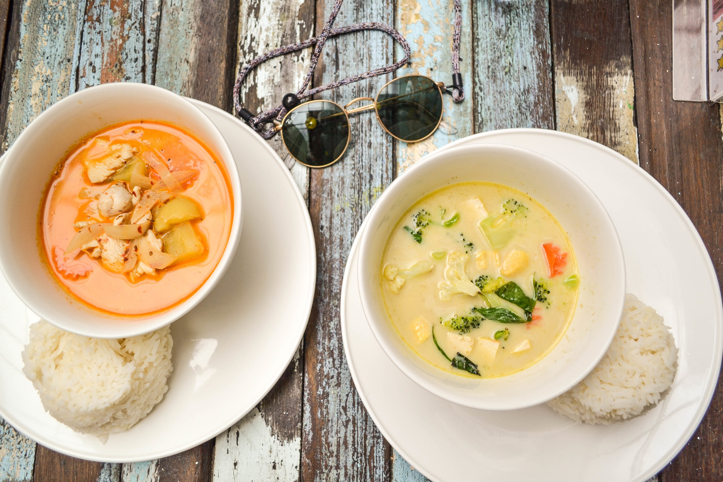 Massaman curry & Green thai Curry at Bodega hostels