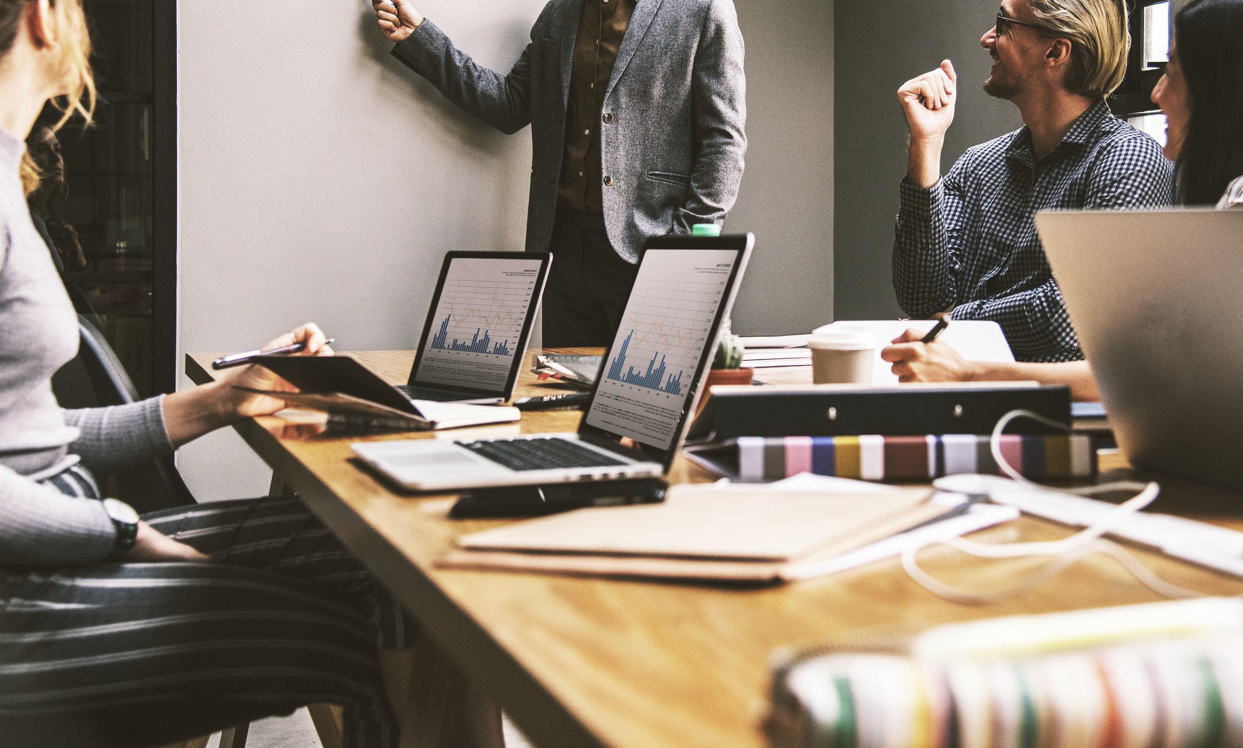 Rådgivning - ArbetsrättEkonomisk rådgivningAffärsplanerEffektivisering och affärsutvecklingStarta och avveckla bolagEkonomisk styrningSkatterättRedovisningskonsultation
