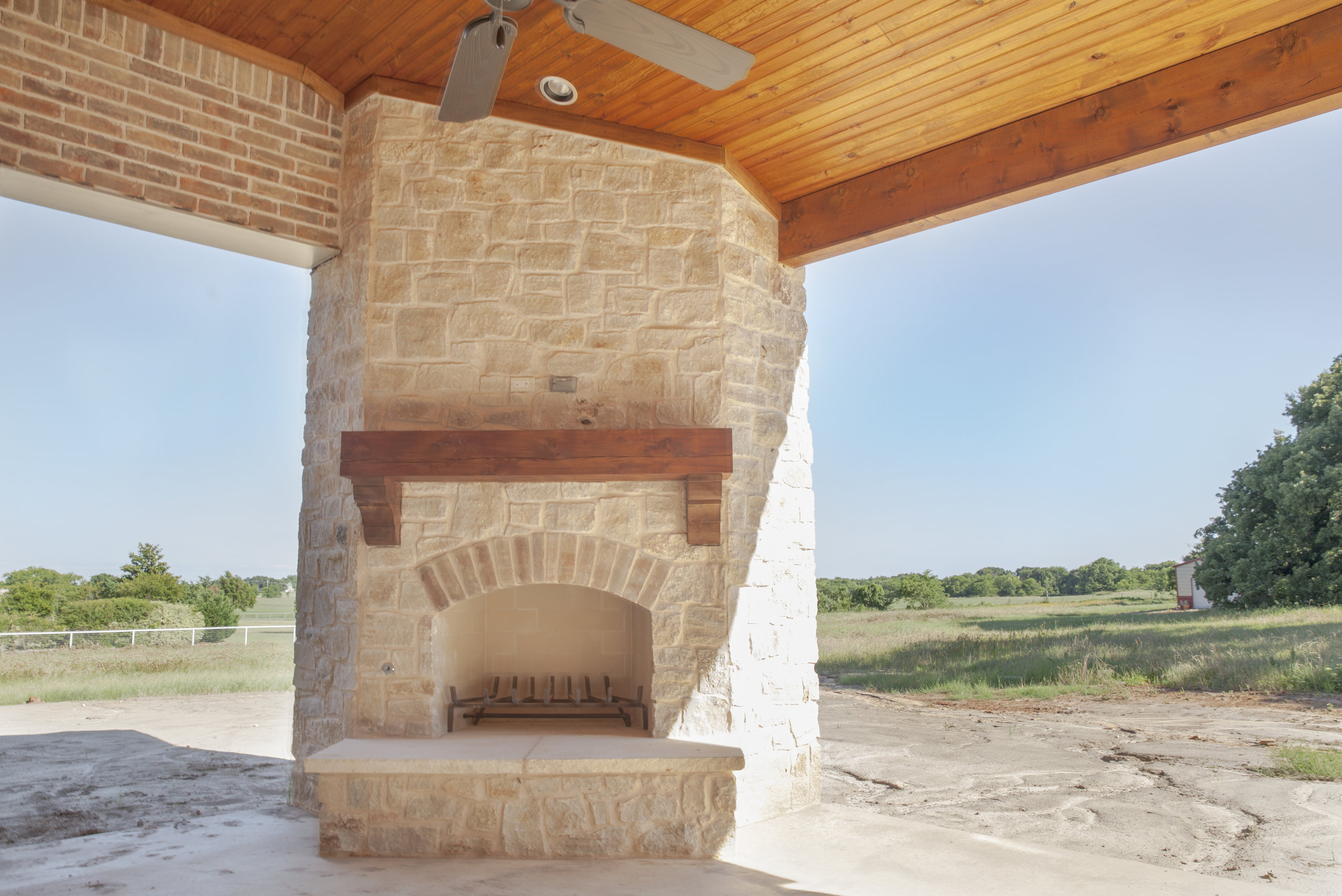 OUTDOOR FIREPLACE.jpg