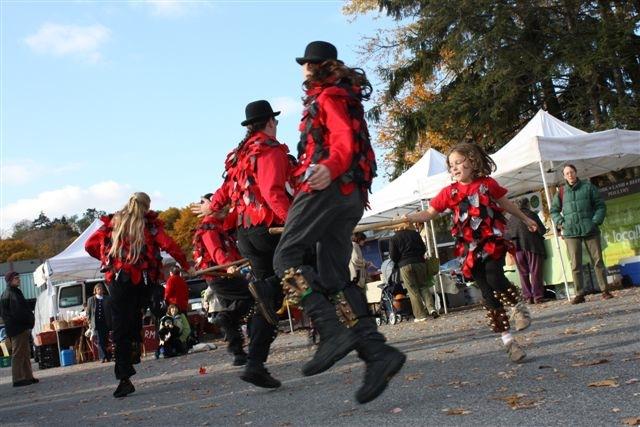 Dancers 2009.jpg