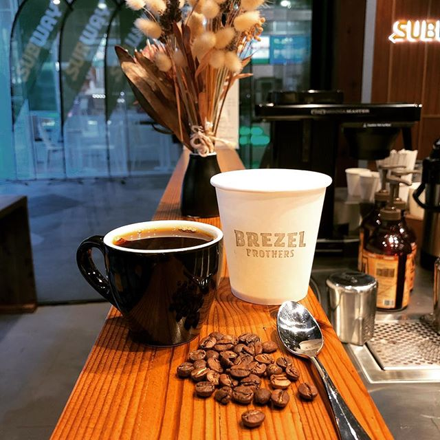 Coffee Tasting at Brezel Brothers! This Friday 15th March at 5pm. Come along to taste some killer new coffees from @loadedroasters. We're excited to share what we love with you all!