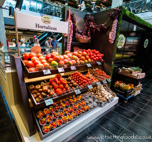 How many varieties of tomatoes can you name? @ Mercado de San Anton