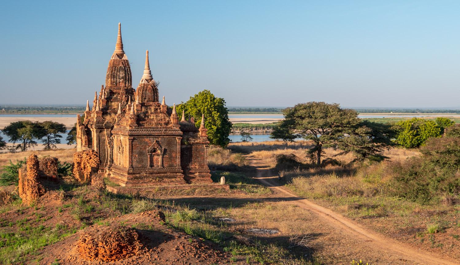Old Bagan: U-Sauk-Pan Hpaya on the Irrawaddy River.