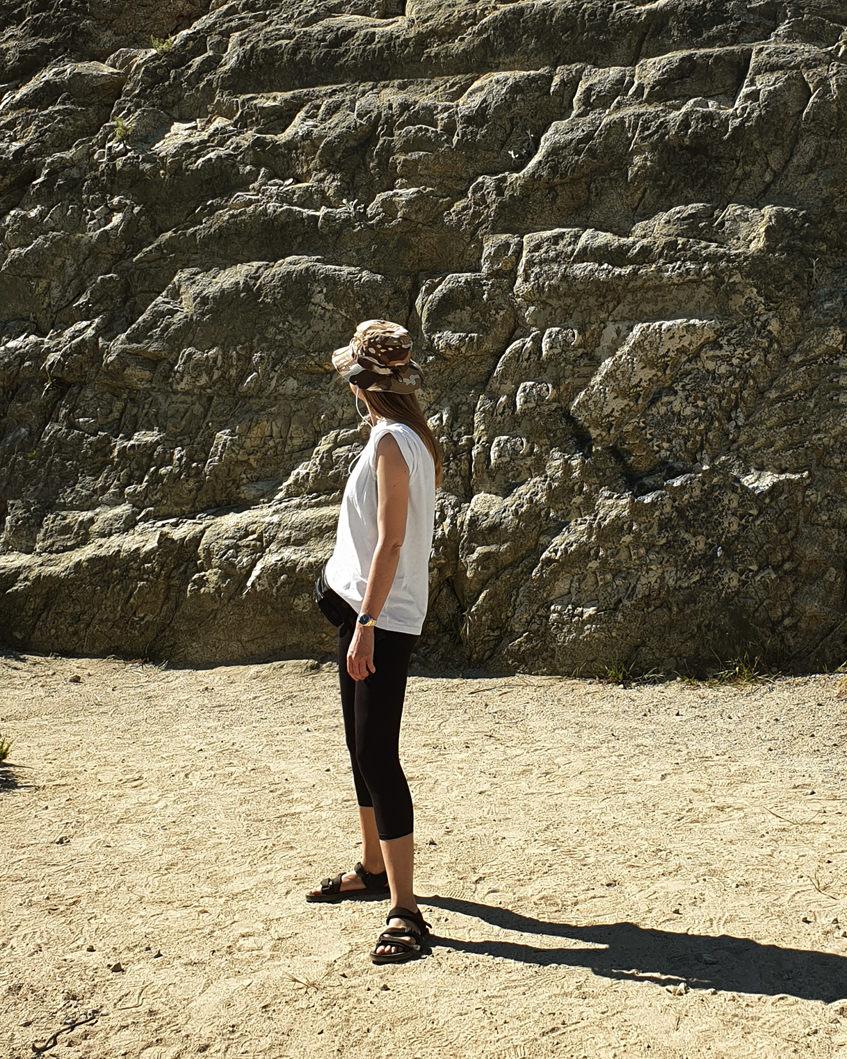 hat   THE NORTH FACE   t-shirt   NIKE   tights   GINA TRICOT   sandals   ASOS