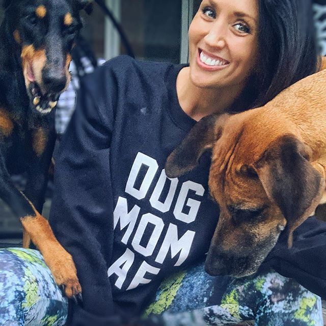 Dog momming so hard! 😜 Can't believe l almost missed #nationaldogday so l ran outside, bribed these two with a cookie (can you tell it's in my hand? LOL) and tried to take a pic in the most perfect shirt ever for today 😂 #dogmomaf @lulusimonstudio ❤️ #nailedit #rescuedog #theyhatephotos  On a serious note thank you to all the amazing people out there loving and caring for their animals! Fact: l will totally judge you on how you treat your animals!  #doberman #ridgeback #dogmomshirt #dogmom
