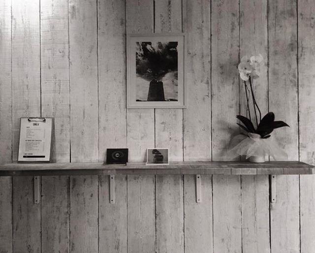Exposiciones CANALLAS. Nos encanta el arte y más si tiene un punto rebelde, por eso hacemos exposiciones de obras que nos interesan, para dar visibilidad a artistas en los que creemos #arte #canallaibiza #canallaerestu #ibizatown #fotografia