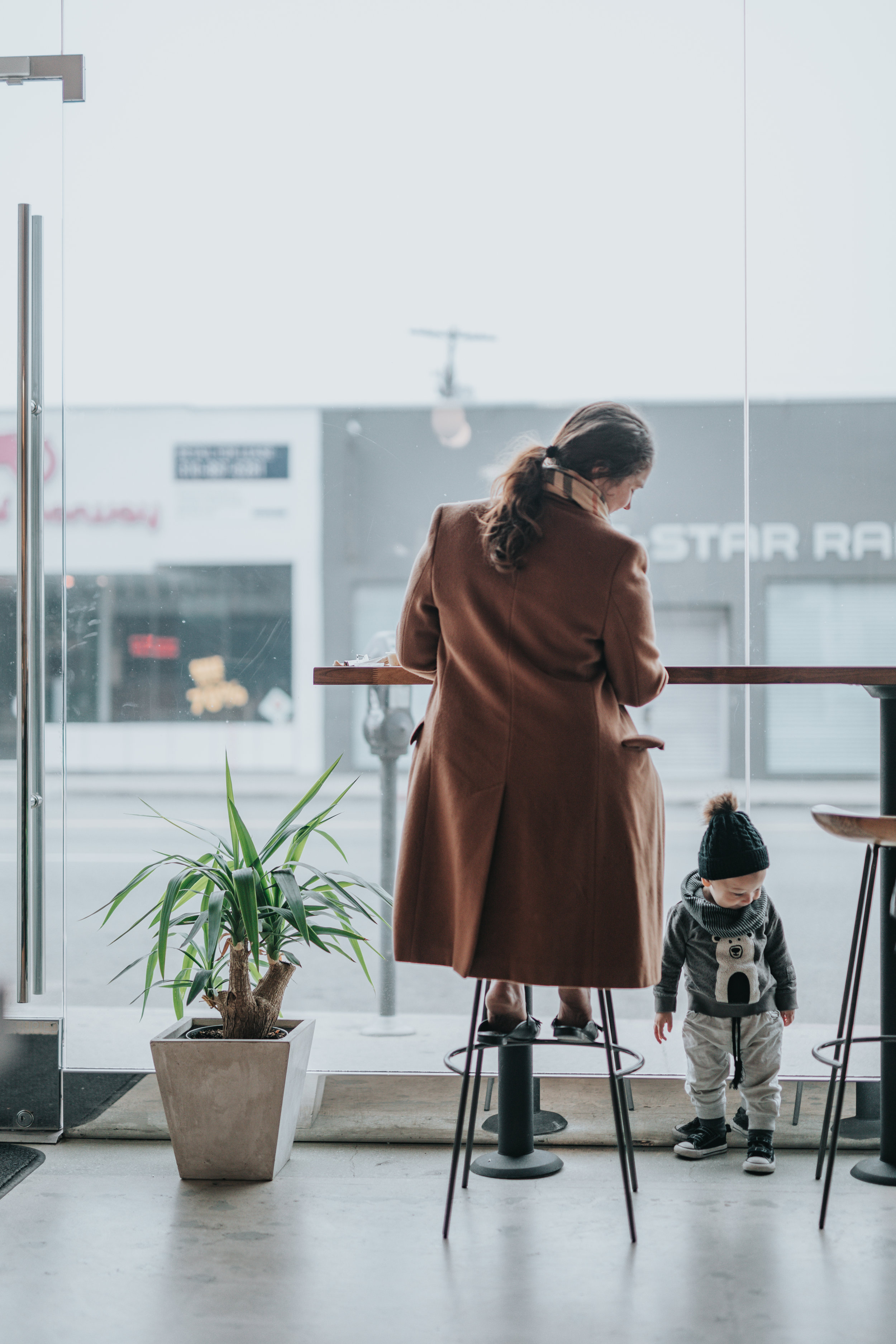 Woman and Toddler in coffee shop