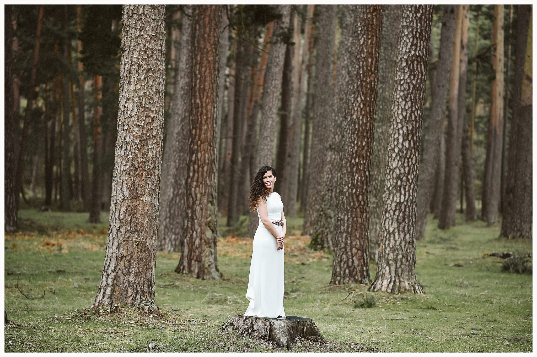 dreamsanddreamers.com-trash-the-dress-in-natura-13.jpg