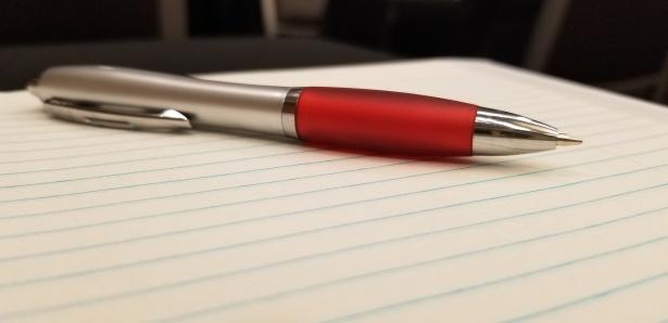 Omaa sijoittamissuunitelmaa voi tehdä ihan kynällä ja paperilla. Aseta itsellesi joku tavoite, mihin säästät ja sijoitat. Kirjoita paperille myös omat unelmasi! Ne saattavat joskus toteutua!