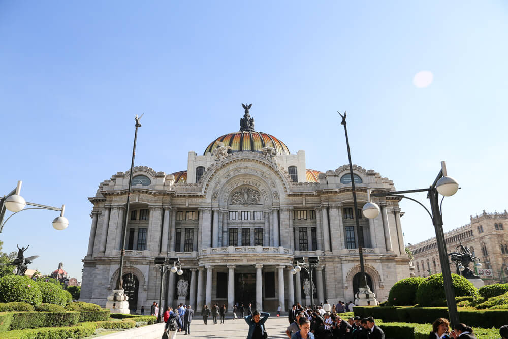 1 Day in Mexico City - How to spend a 12 hour layover in Mexico City in Historic Downtown #Mexico #MexicoCity #LatinAmerica