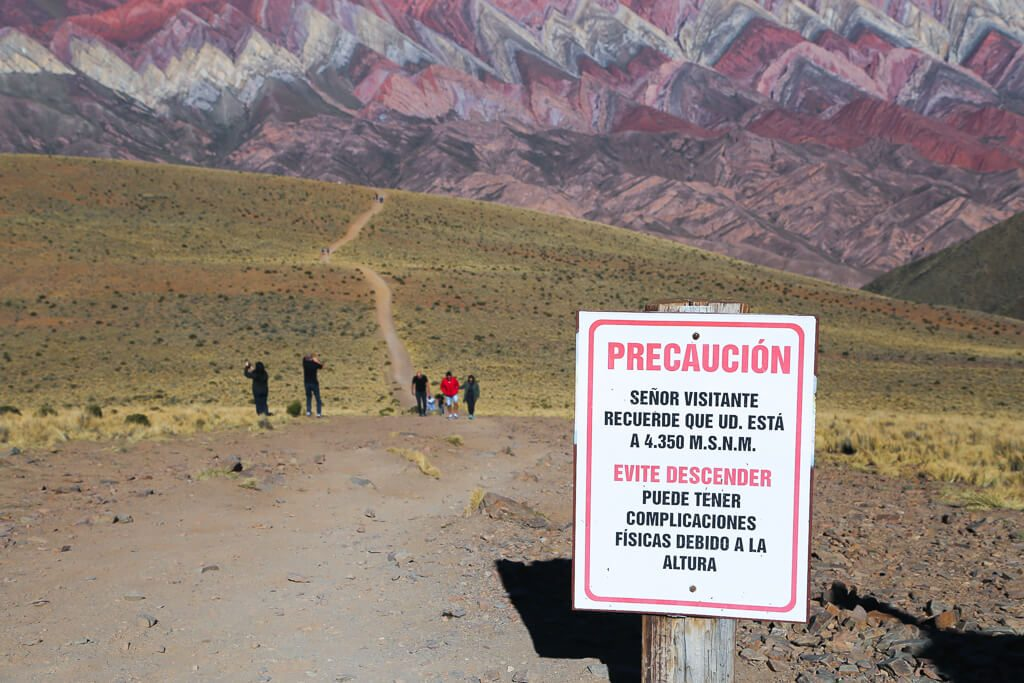 Caution: Remember that you are at 4,350 meters above sea level. Avoid descending. You could have physical complications due to altitude.
