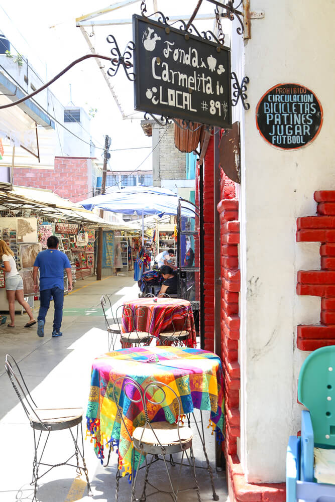 Shopping in the markets in Mexico City