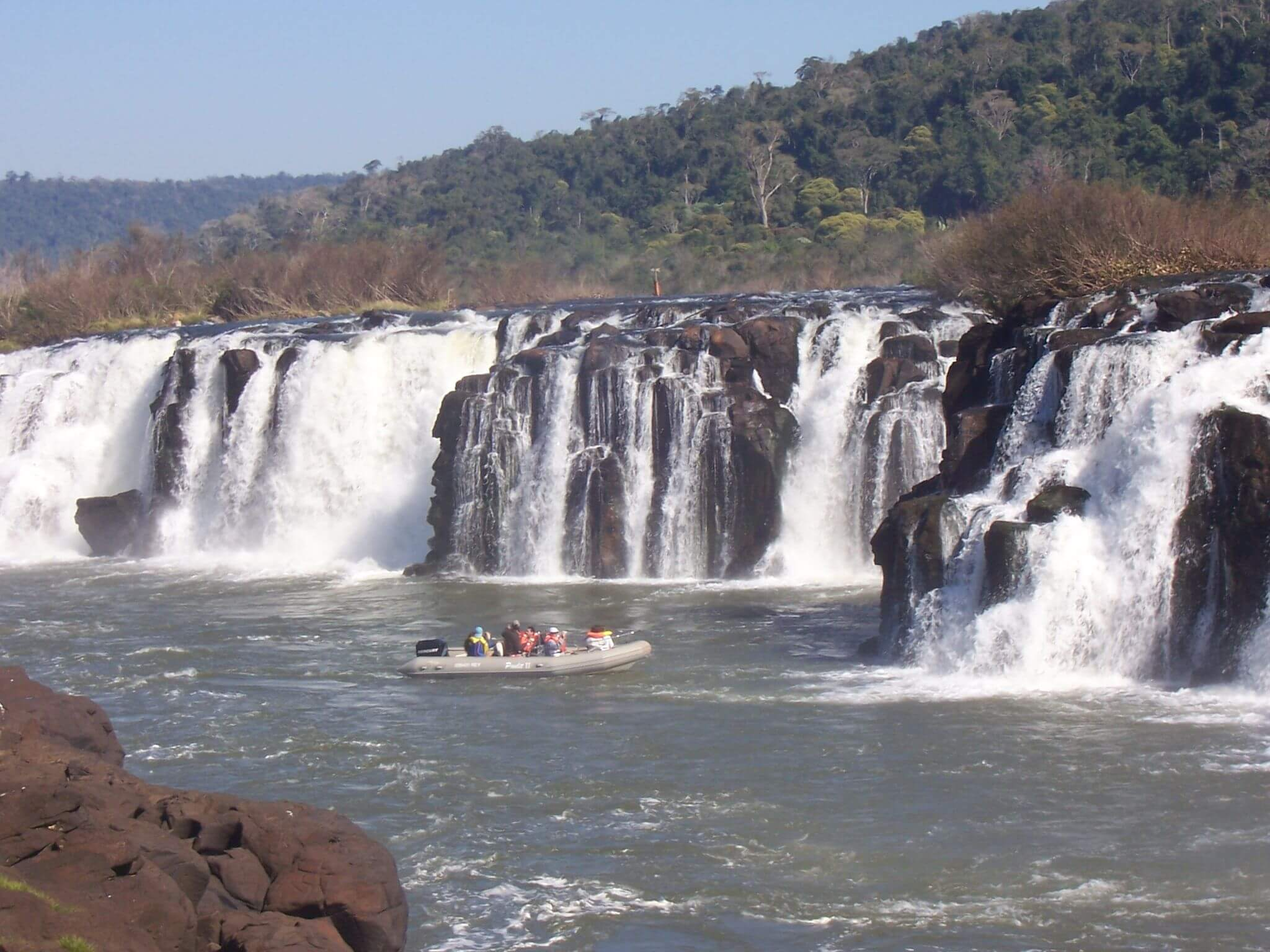 This is what I expected to see, as you can see in the other photos that I took, I wasn't so lucky. This is what the Mocona Falls look like when the water levels are VERY low. | Source: Leandro Kibisz ( Loco085 ) [ CC BY-SA 2.5 ]