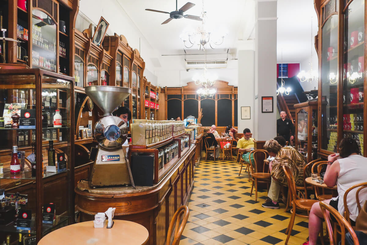 El Gato Negro is a Buenos Aires institution, selling spices and teas on it's antique bar.