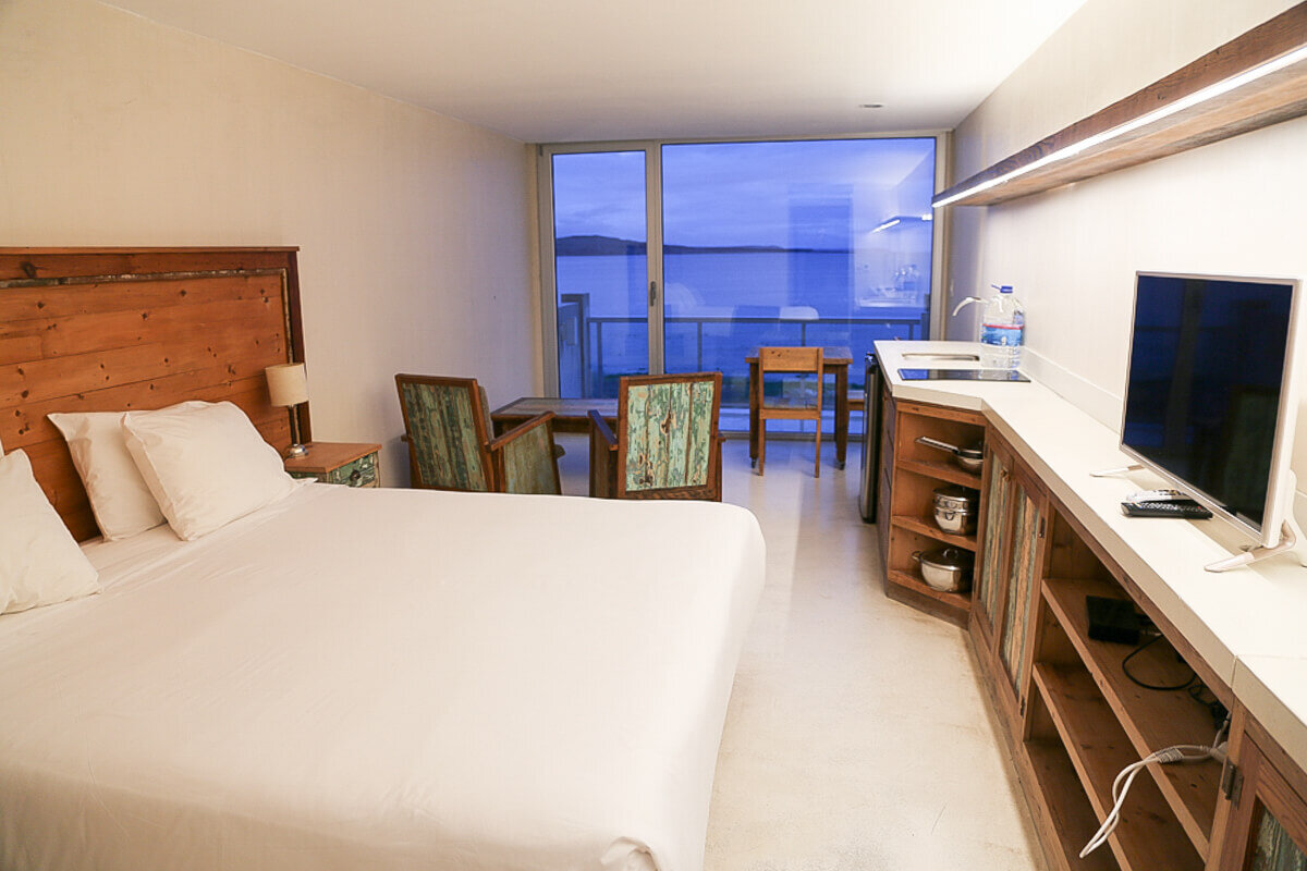All the rooms at Oceano offer sea views. Open the window and listen to the whales jump in the bay.