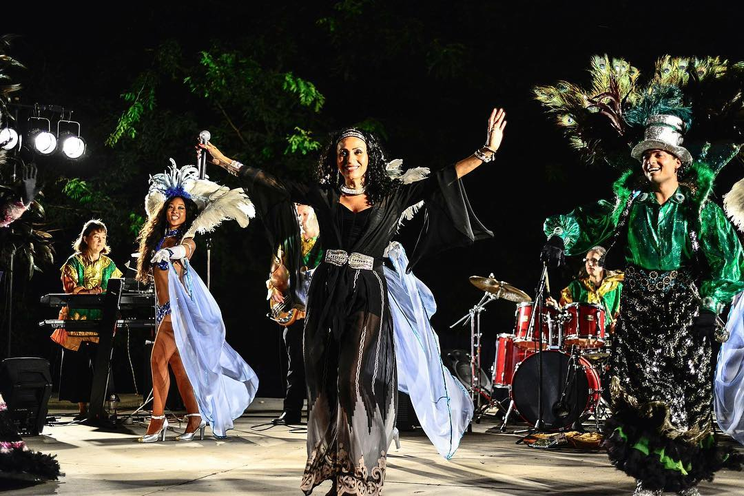 Part music, part spectacle and all Brazilian! Katende dishes out a delicious mixture of Brazilian, African, Caribbean, American Funk and Latin Rhythms. Dancing encouraged!