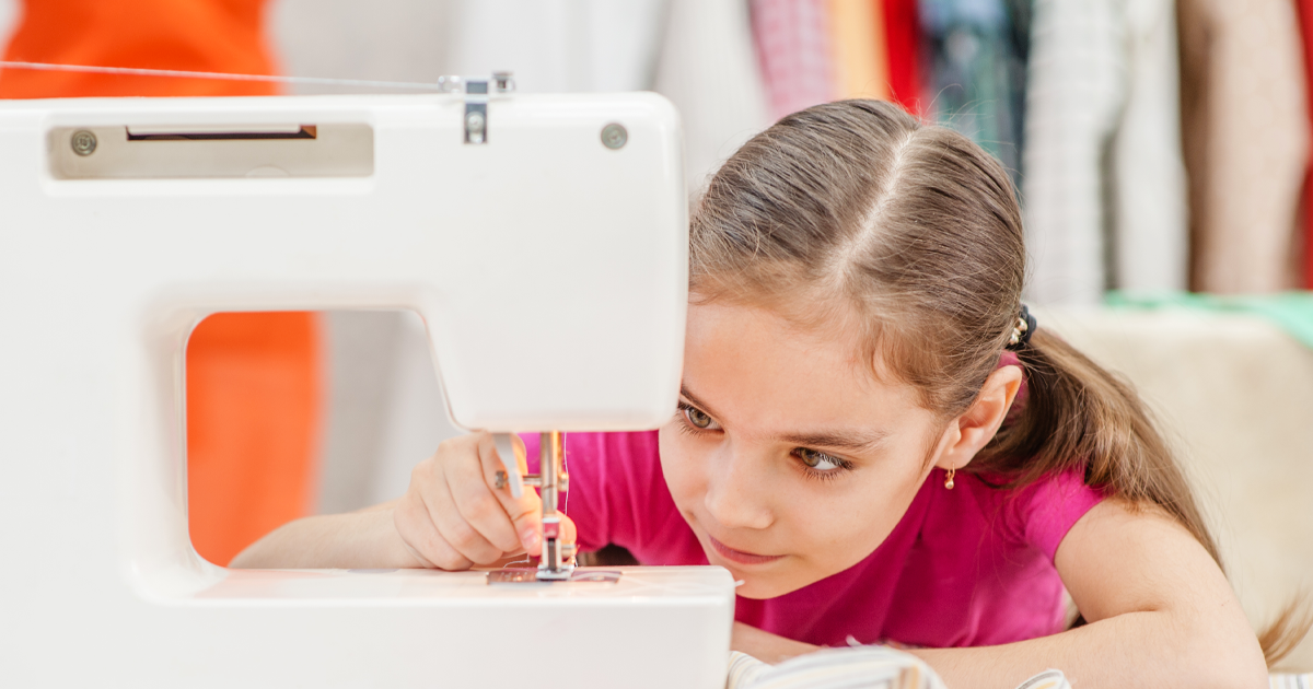 The Fashion Class Fashion Design and Sewing for Kids – Roslyn.png