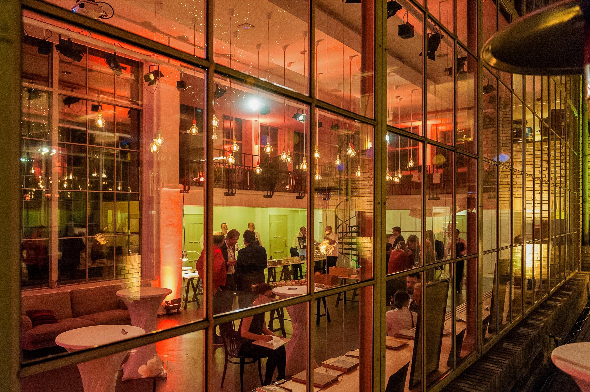 2017 - 2019  Opero & Galerie SmetanaQ & Cafe Elektric, Prague  80 guests