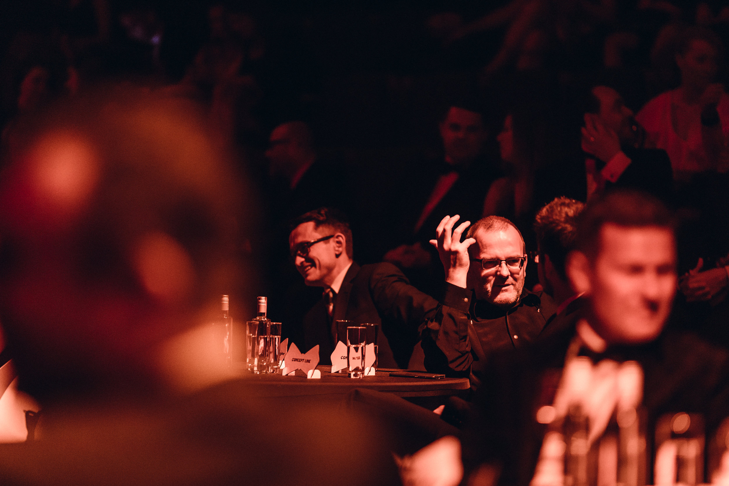 2019  DOX+, Praha  150 hostů