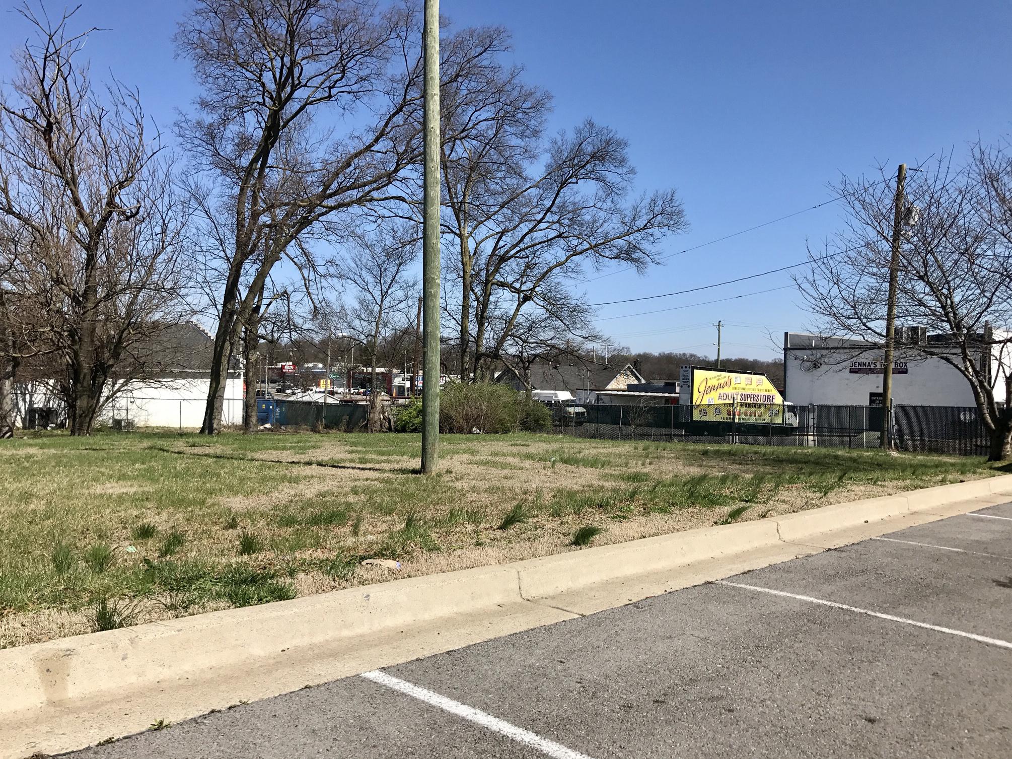 Grandview Avenue - vacant lot