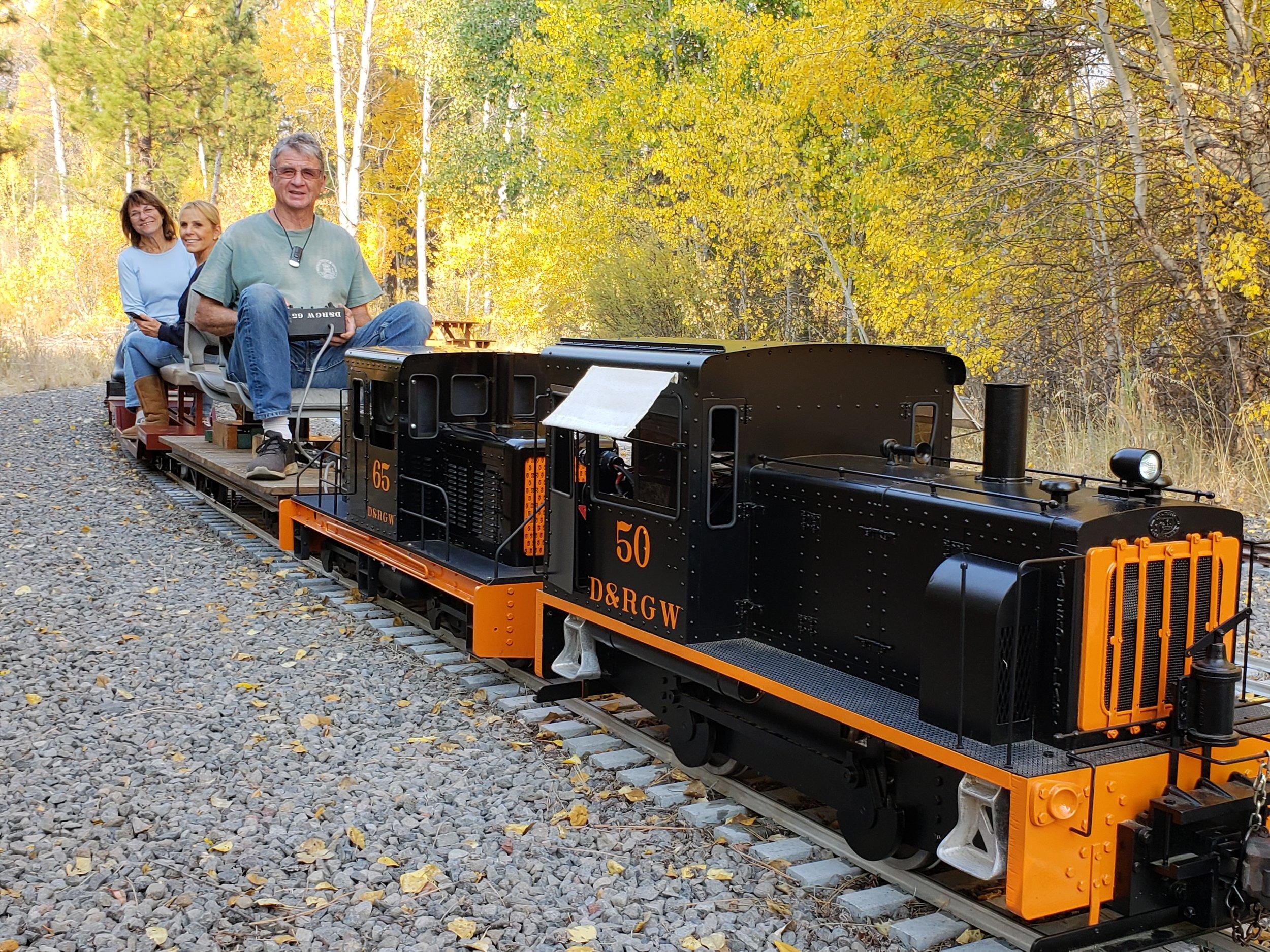 Bill's & Bruce's battery powered switchers @Train Mountain