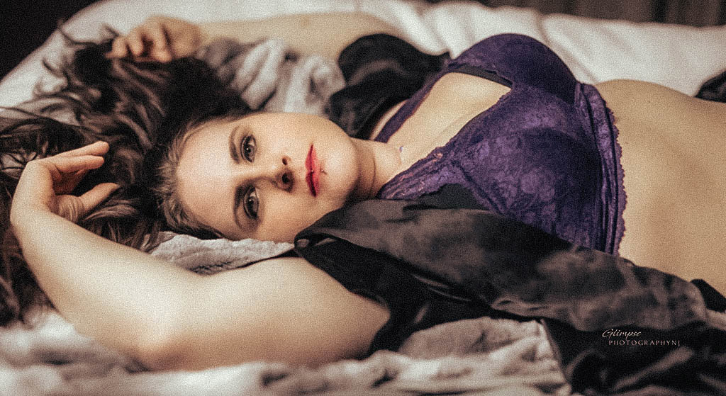 boudoir poses glimpse photographynj cs4.jpg
