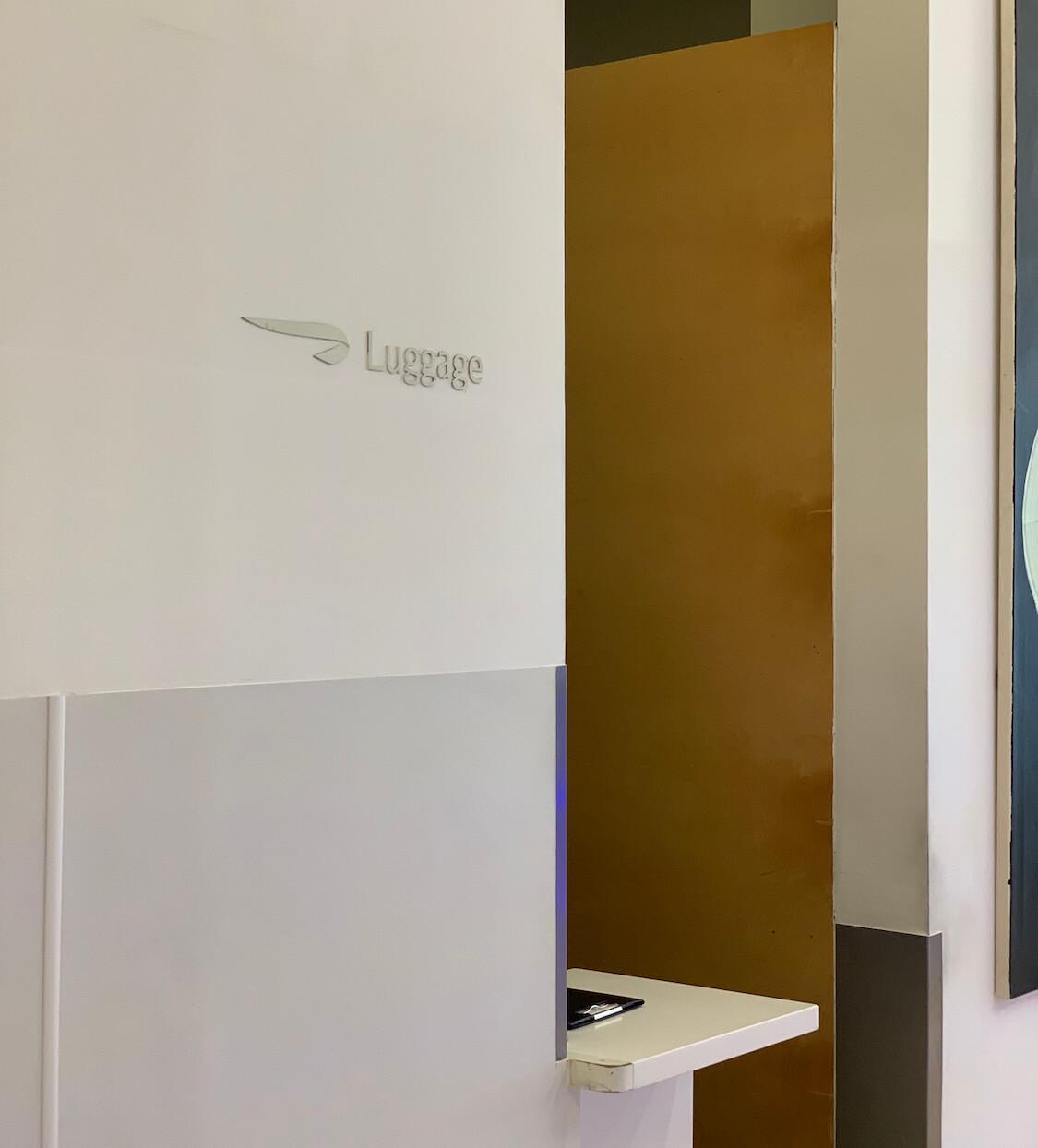 British Airways Galleries Lounge North - Luggage Storage