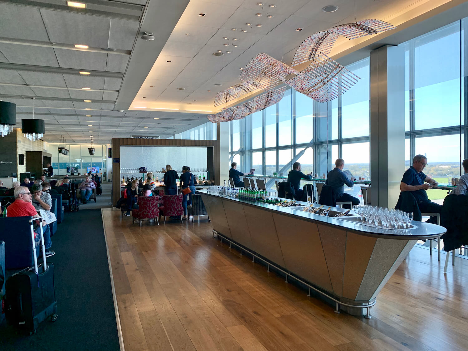 British Airways Galleries Lounge South - Seating and Bar