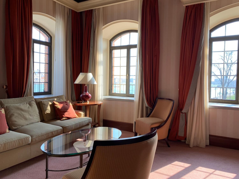 Hilton Molino Stucky Venice - King Tower Suite Living Area