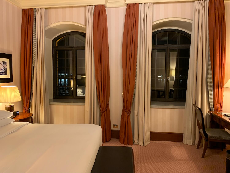 Hilton Molino Stucky Venice - King Tower Suite Bedroom