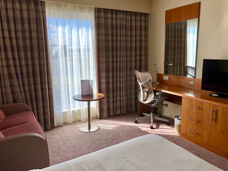 Queen Deluxe Room Furniture - Hilton Garden Inn Luton North