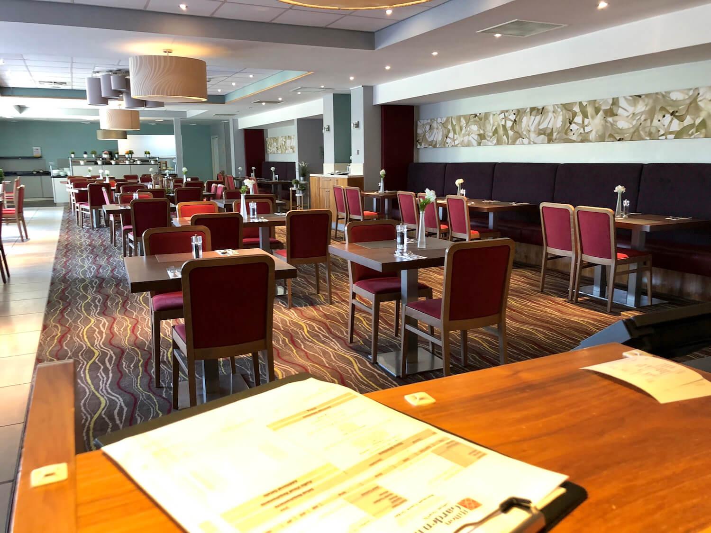Pavillion Restaurant - Hilton Garden Inn Luton North