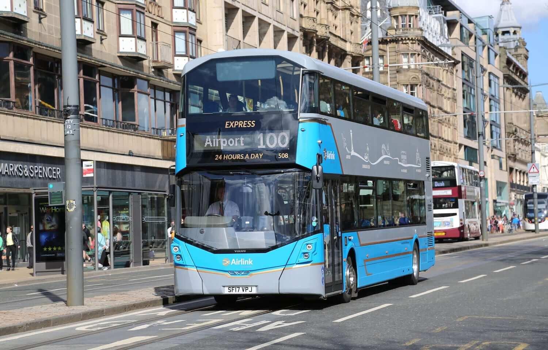 Edinburgh Airport To Edinburgh City Centre - Express Airlink 100 Bus