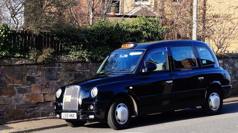 Edinburgh Airport To Edinburgh City Centre - Travel By Metered Black Taxi