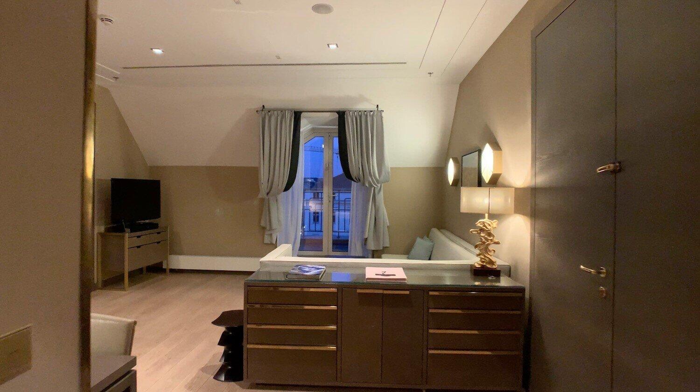 Hilton Vienna Plaza - Penthouse Royal Suite - Entryway