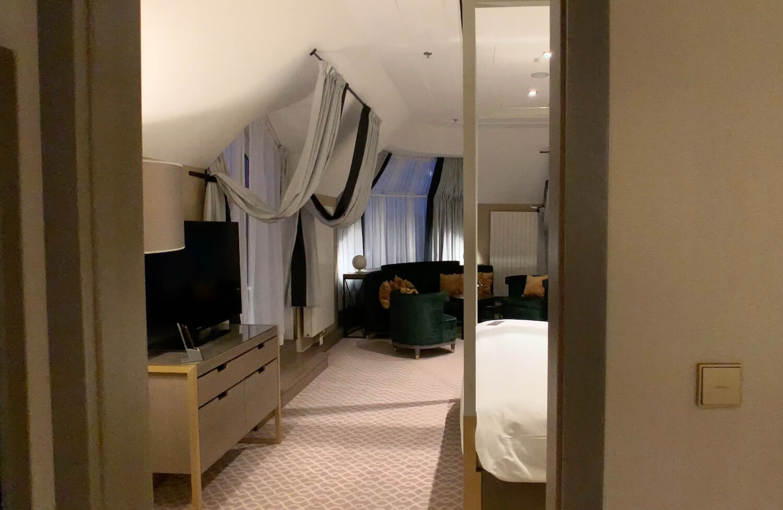 Hilton Vienna Plaza - Penthouse Royal Suite Bedroom