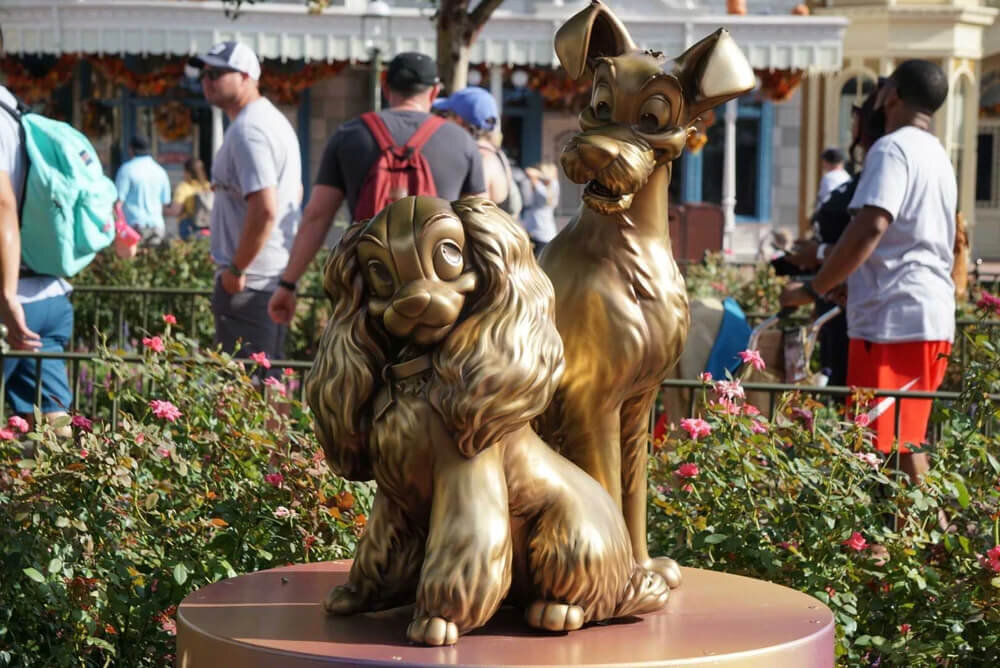 Lady and the tramp Fab 50 Gold Character Statue.jpg
