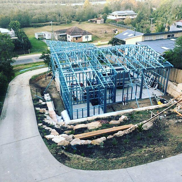 Frame & Truss completed for Rob Sharp Electrical's garage & workshop at Saratoga . . . .  #madefromTRUECOREsteel #steelframe #steeltruss #lightguagesteel #coldformedsteel #AusSteelframes #50yearwarranty #termiteproof #TheUltimateBuildingSystem