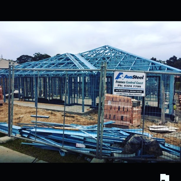 Completed frame & truss for an owner/builder at Bonnells Bay NSW. #lightsteelframe #truecoresteel #truecoresupps #coldformedsteel #lightguagesteel #steelframe #steeltruss #coilsteels #fireresistant #termiteproof #termiteprotection #50yearwarranty