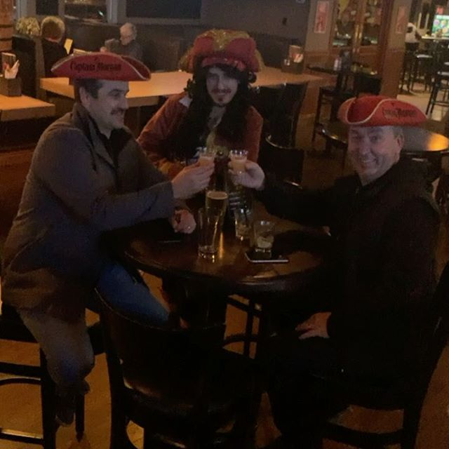 A captain is never complete without the entire crew #windsorrosepanorama#yyceats#yycpubs#captianinthehouse