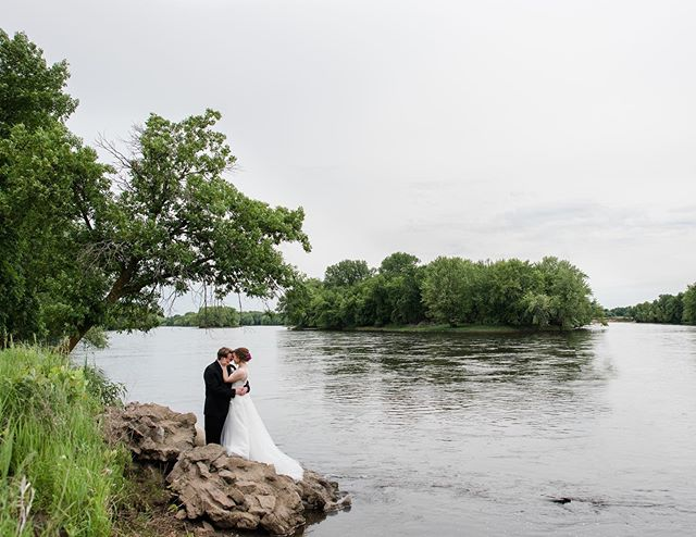There are no sweeter words to hear than yes when you ask your bride if she is game to scale down the river's edge and balance on some rocks for a photo. I even gave her my shoes😜I think we can all agree it was SO WORTH IT. #minneapoliswedding #mnwedding #minnesotabride #minneapolisweddingphotograper #minneapolisweddingphotography #minnesotaweddingphotographer #mnbarnwedding #happilyeverhollander