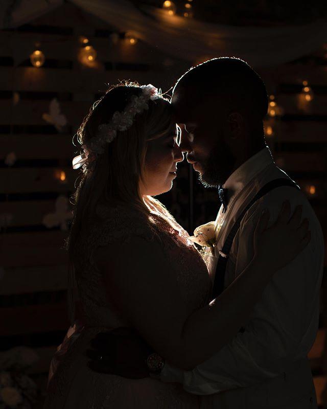 Momento de unión, de compromiso, para toda la vida...love . . 📷: José Gregorio León - Photogonko © . #bodaspanama #bodasdedestino #weddingphotography #destinationwedding #wedding #bodas #love #bride #juntos #panamabodas