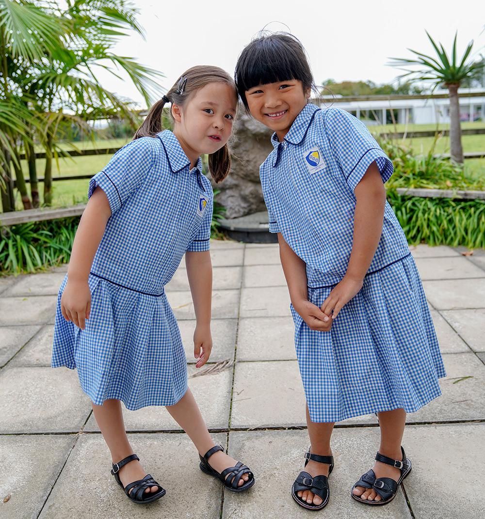 summer_uniform_girls_2_web.jpg