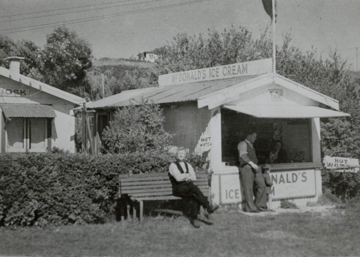 Kiosk at Cockle Bay, ca 1939. Photograph reproduced by courtesy of Howick Historical Society.