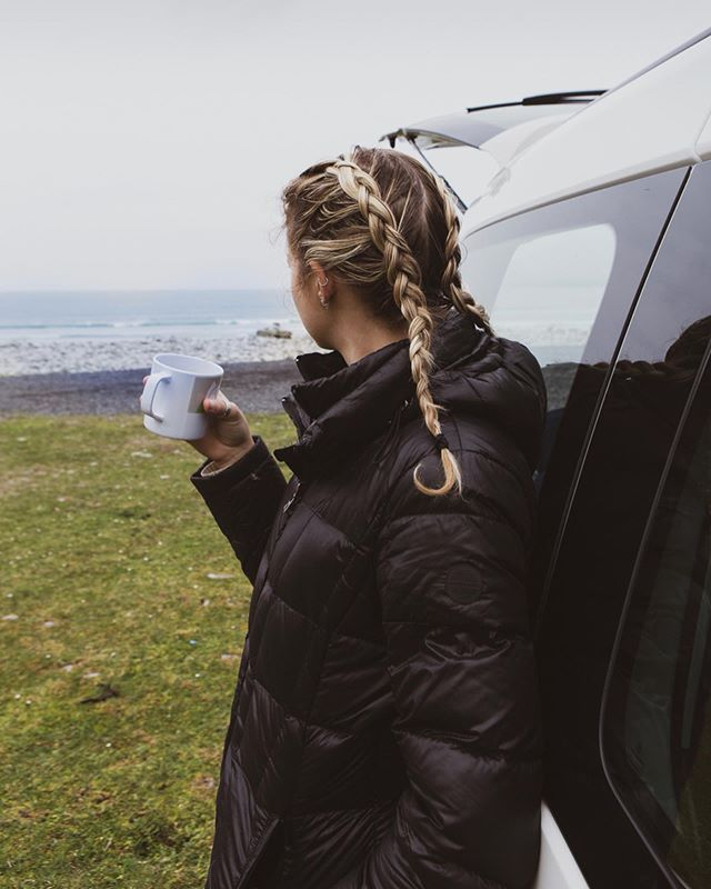 Quickly fell in love with Ireland.. But I mean how could you not? Mornings spent waking up on the coast and cooking breakfast out of the back of our van. I miss it so much.. @spaceshipsuk thank you for the beautiful week ✨