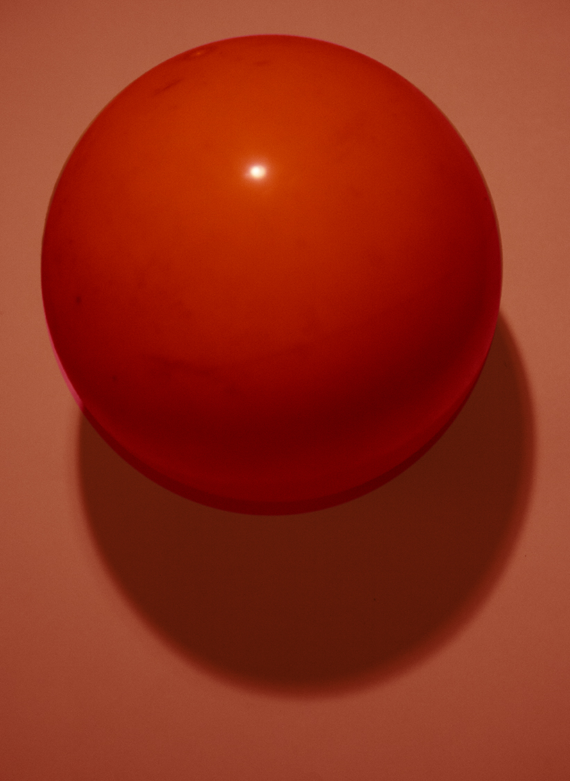 red ball_IMG_7100_o_small.jpg