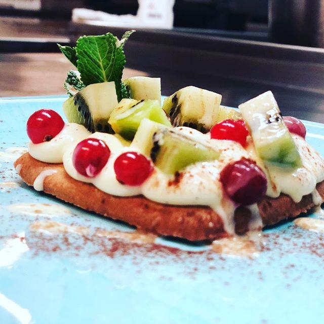 CROSTATINA DI KIWI CON CREMA INGLESE ALLA VANIGLIA #ascona #ristorante #anticaposta #cuore #dessert