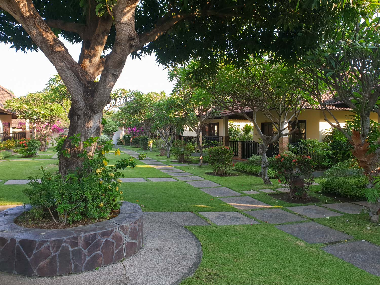 Liberty Dive Resort - Garden Cottages
