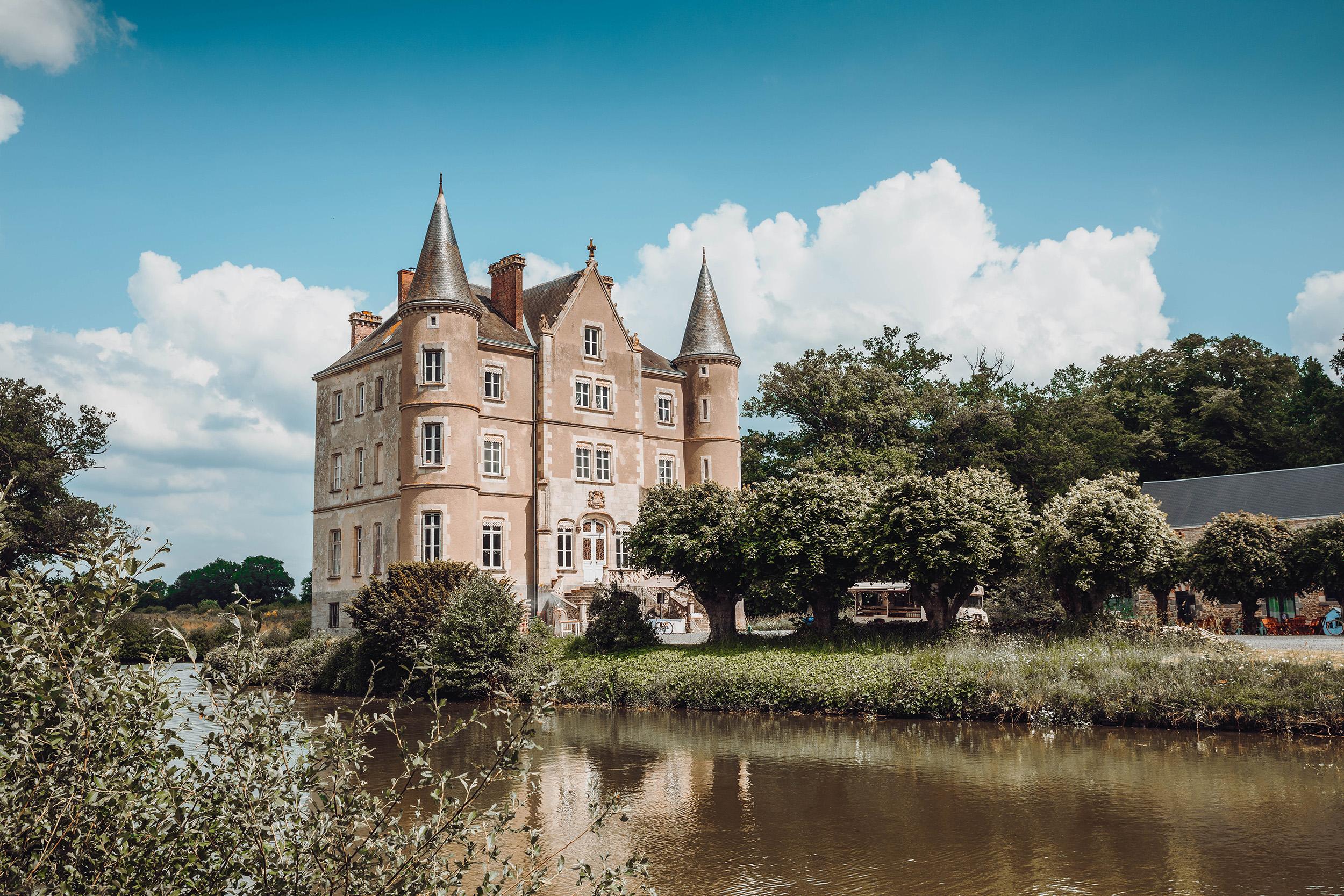 Chateau de la Motte Husson.jpg